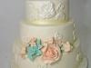 bruidstaart_engels_veel_bloemen_eclair_gebak