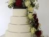 bruidstaart_met_verse_bloemen_eclairgebak