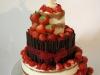 nackedcake_bruidstaart_verse_aardbeieen_chocolade_eclairgebak